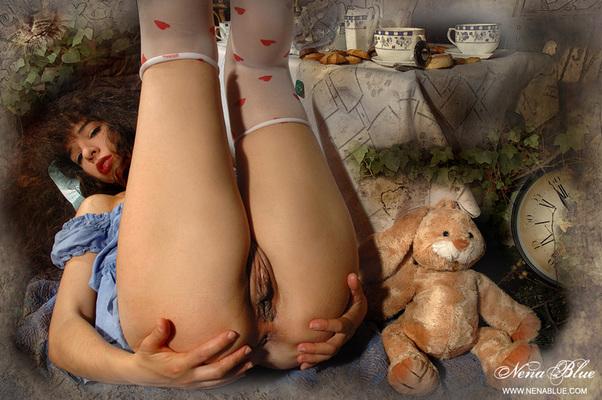 Tea with Alice in wonderland - 02