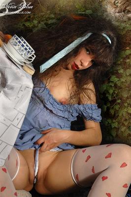Tea with Alice in wonderland - 04